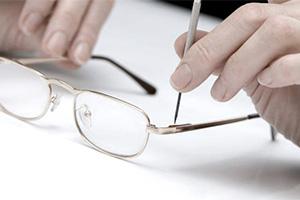 ottico_laboratorio_occhiali_varese